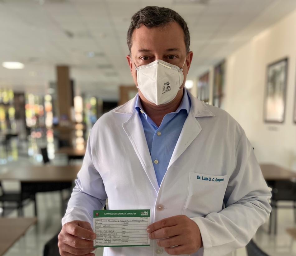 Equipe do IRCAD,  filial do Hospital de Amor, começa a ser vacinada contra a Covid-19